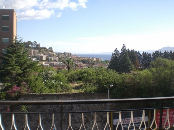 Appartamento in affitto a Messina, 5 locali, prezzo € 1.250 | Cambio Casa.it