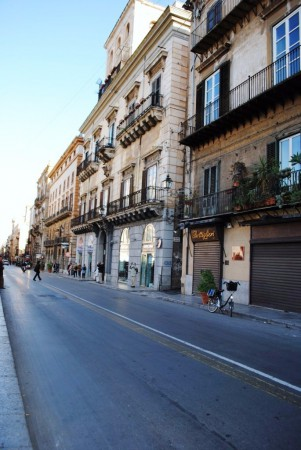 Bilocale Palermo Via Vittorio Emanuele 1