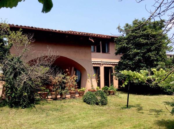 Villa in vendita a Caravaggio, 6 locali, prezzo € 550.000 | CambioCasa.it