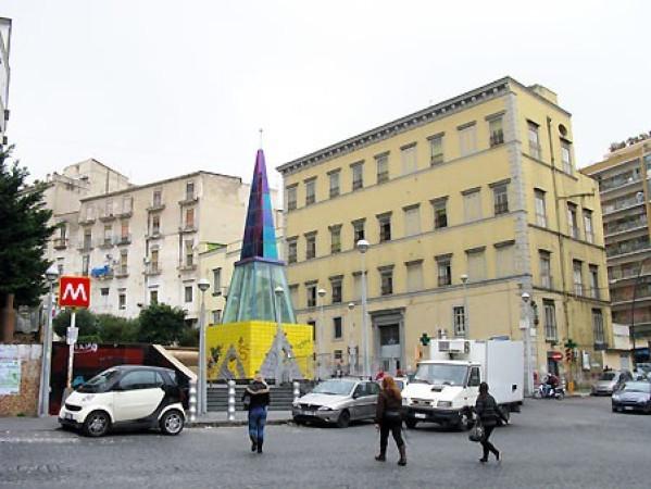 Bilocale Napoli Via Salvator Rosa 1