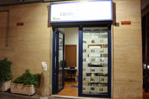 Bilocale Napoli Via Salvator Rosa 9