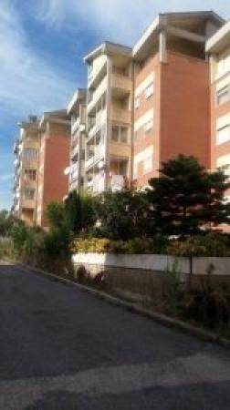 Appartamento in affitto a Pomezia, 3 locali, prezzo € 550 | Cambio Casa.it