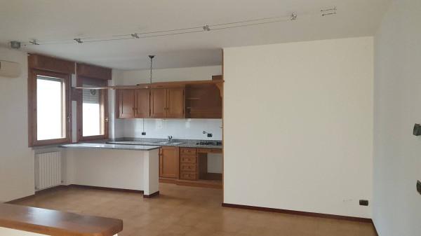 Appartamento in vendita a Guastalla, 4 locali, prezzo € 125.000 | Cambio Casa.it