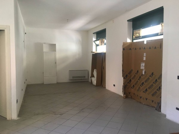 Negozio / Locale in vendita a Borgomanero, 1 locali, prezzo € 97.000   Cambio Casa.it