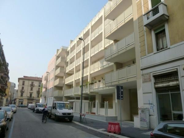 Bilocale Milano Via Giulio Belinzaghi 7