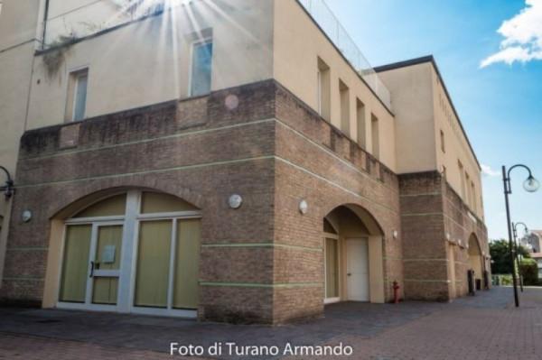 Negozio / Locale in vendita a Cossato, 2 locali, prezzo € 180.000 | Cambio Casa.it