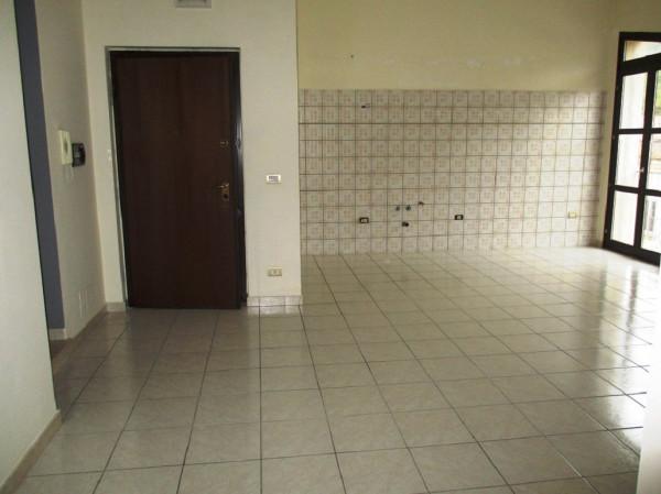 Appartamento in vendita a San Felice a Cancello, 3 locali, prezzo € 75.000 | Cambio Casa.it