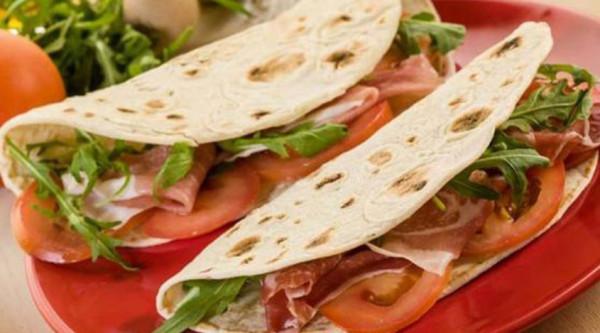 Ristorante / Pizzeria / Trattoria in vendita a Chivasso, 2 locali, prezzo € 49.000 | Cambio Casa.it