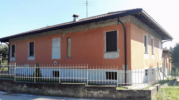 Villa in vendita a Cavaria con Premezzo, 4 locali, prezzo € 295.000 | Cambio Casa.it