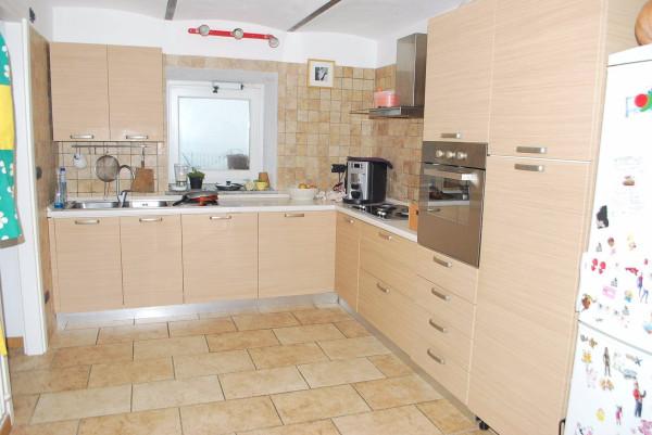 Villa in vendita a Govone, 6 locali, prezzo € 250.000 | CambioCasa.it