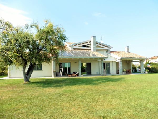 Villa in vendita a San Mauro Pascoli, 6 locali, Trattative riservate | Cambio Casa.it