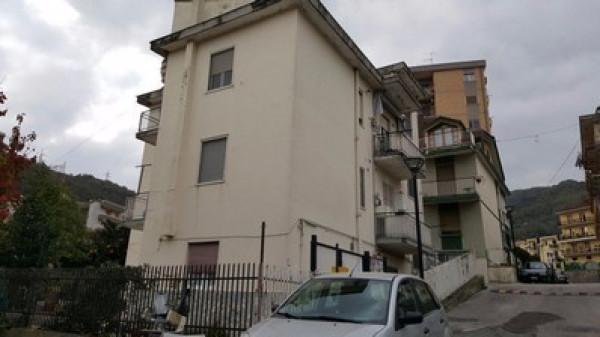 Appartamento in vendita a Pellezzano, 5 locali, prezzo € 155.000 | Cambio Casa.it