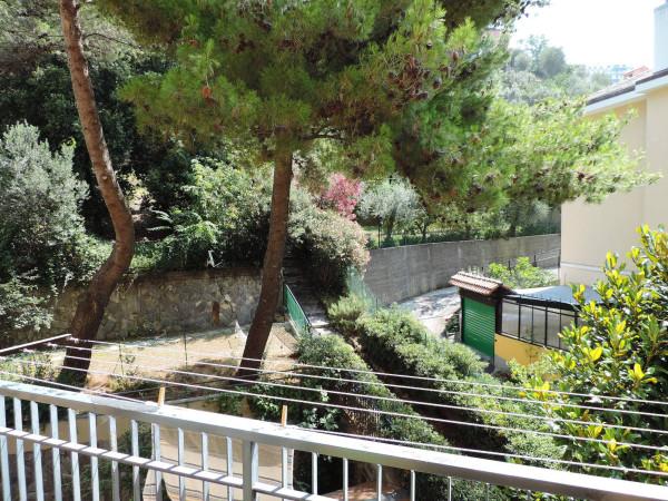 Appartamento in Vendita a Genova Periferia Est: 4 locali, 117 mq