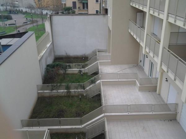 Bilocale Milano Via Giulio Belinzaghi 12