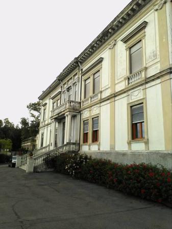 Appartamento in vendita a Torre del Greco, 6 locali, prezzo € 989.000   Cambio Casa.it