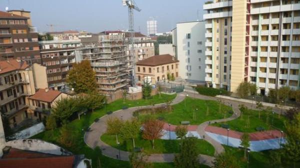 Bilocale Milano Via Giulio Belinzaghi 8