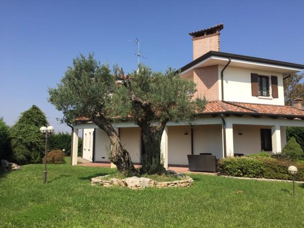 Villa in vendita a Ferrara, 6 locali, prezzo € 470.000 | Cambio Casa.it