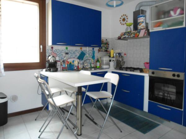Bilocale Pioltello Via Genova, 3 5