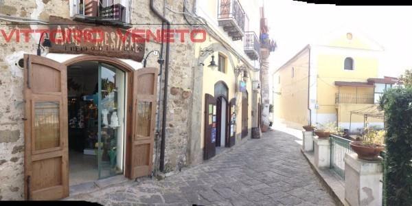 Negozio / Locale in affitto a Agropoli, 2 locali, prezzo € 750 | Cambio Casa.it