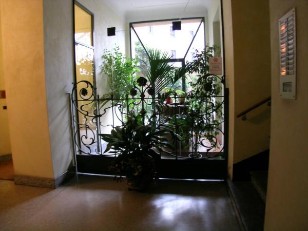 Bilocale Milano Via Francesco Melzi D'eril 10