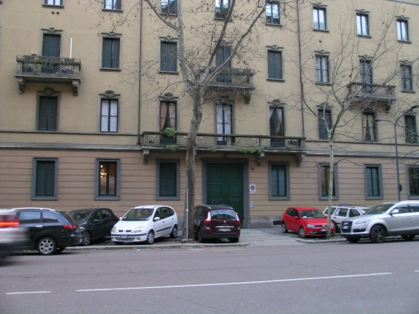 Bilocale Milano Via Francesco Melzi D'eril 9