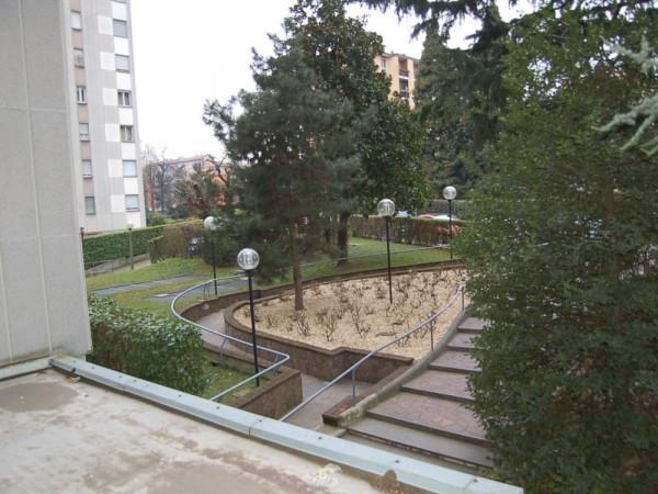 Bilocale Milano Via Delle Ande 13