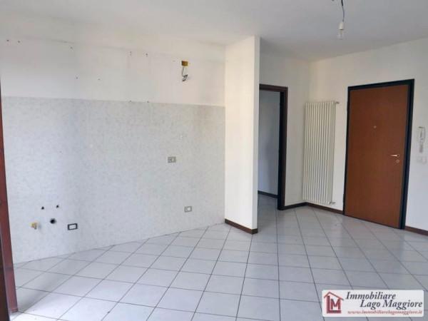 Appartamento in vendita a Leggiuno, 2 locali, prezzo € 110.000 | Cambio Casa.it