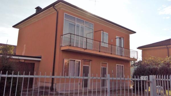 Villa in vendita a Cassano Magnago, 6 locali, prezzo € 235.000 | Cambio Casa.it