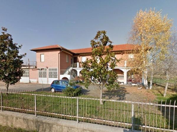 Rustico / Casale in vendita a Nichelino, 6 locali, prezzo € 155.000   Cambio Casa.it