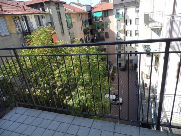 Bilocale Milano Via Carlo Goldoni 2