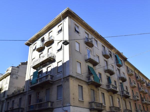 Bilocale Torino Via Ugo Foscolo 1