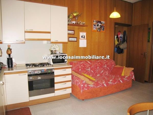 Bilocale Milano Via Polesine 3