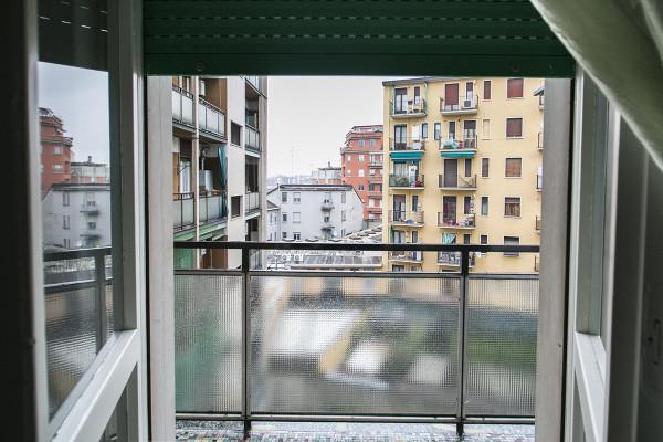 Bilocale Milano Via Ferrante Aporti 12