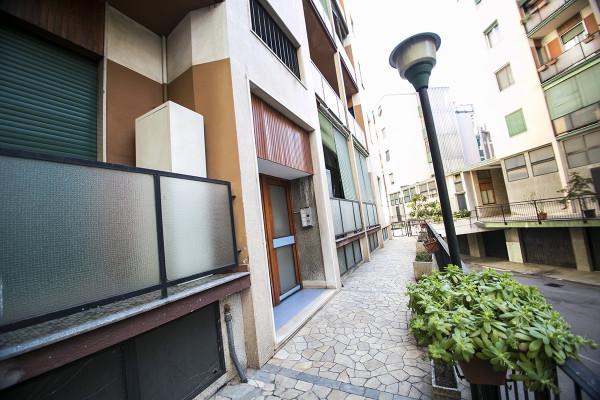 Bilocale Milano Via Ferrante Aporti 2