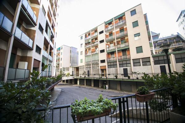 Bilocale Milano Via Ferrante Aporti 3