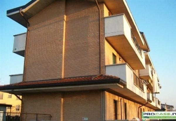 Bilocale Turate Via Grazia Deledda 13