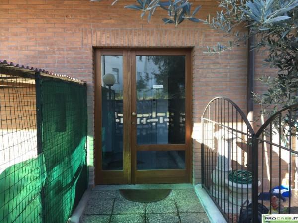 Bilocale Turate Via Grazia Deledda 3