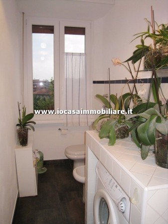 Bilocale Milano Via Fratelli Rosselli 13