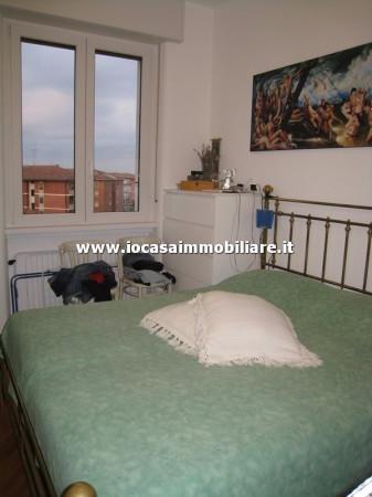 Bilocale Milano Via Fratelli Rosselli 9