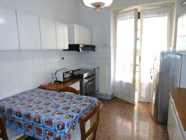 Bilocale Genova Via Aldo Manuzio 9