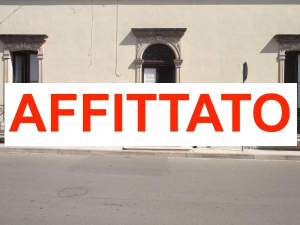 Negozio / Locale in affitto a Veglie, 5 locali, prezzo € 800 | Cambio Casa.it