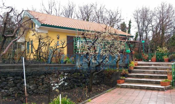 Villa in Vendita a Pedara Periferia: 5 locali, 130 mq