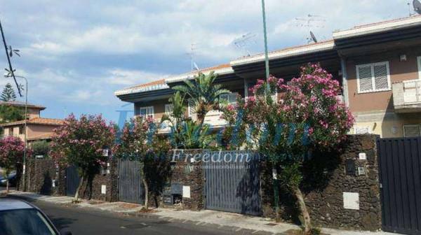 Appartamento in Vendita a San Gregorio Di Catania Periferia: 4 locali, 180 mq