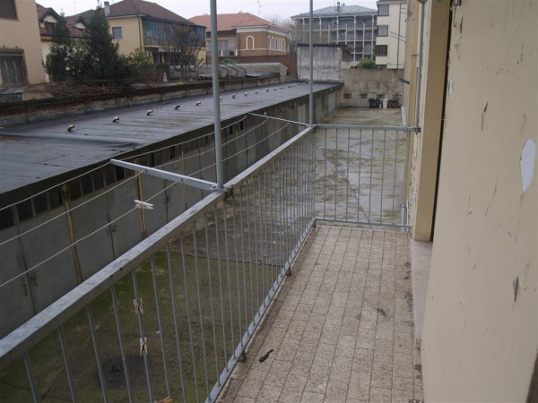 Bilocale Vercelli Via Benadir 6