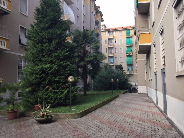 Bilocale Milano Via Salvatore Pianell 4