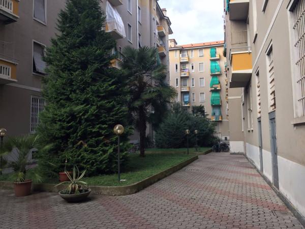 Bilocale Milano Via Salvatore Pianell 8