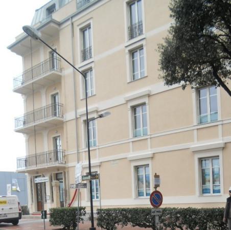 Bilocale Savona Corso Vittorio Veneto 3