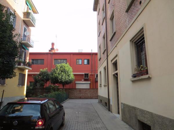 Bilocale Bologna Via Ferrarese 6