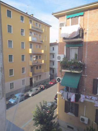 Bilocale Bologna Via Ferrarese 9