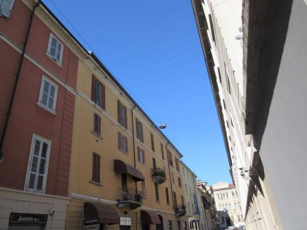 Bilocale Milano Via Saronno 3
